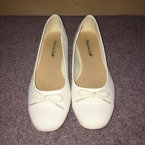 White Flats *WORN ONCE*